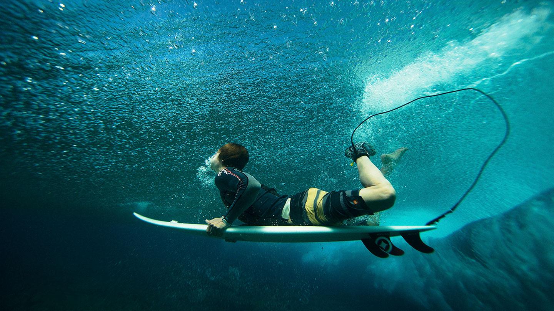 Maldives Surfboat Blue Bowls Duck Dive